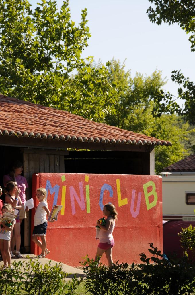 Le mini-club enfants du camping le Domaine de l'Orée en Vendée