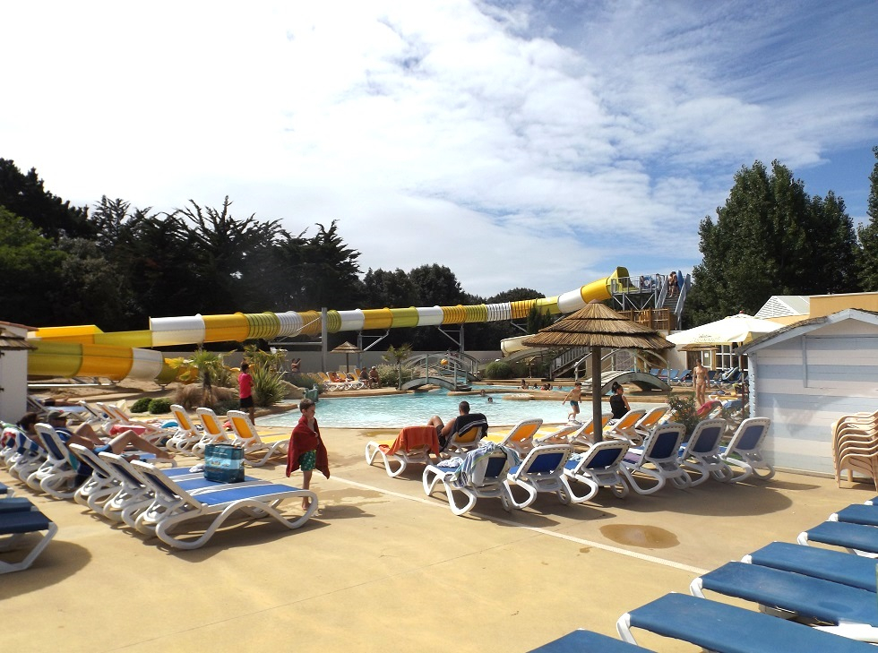 camping-avec-riviere-a-bouees-vendee
