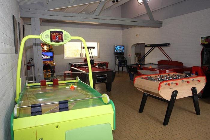 camping avec animations pour les enfants, jeux, situé en bord de mer