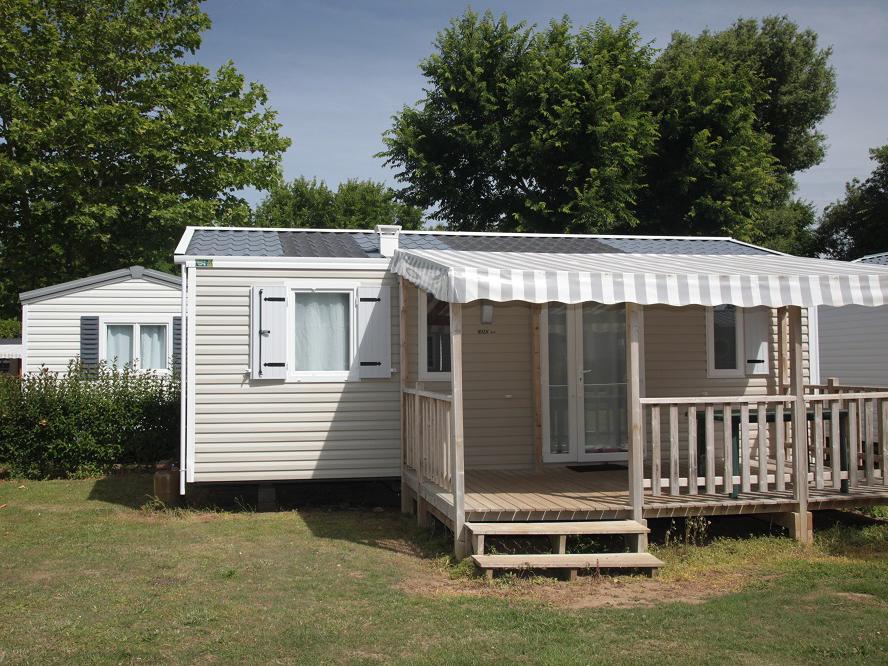 Cottage Evasion ***