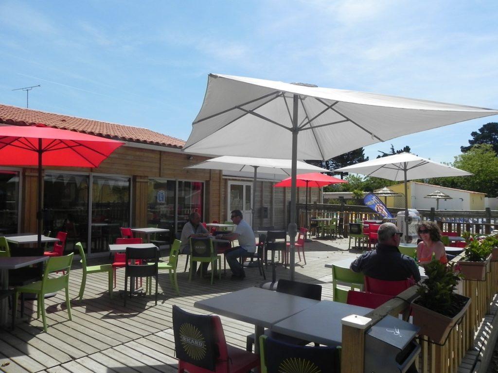bar terrasse du camping en Vendée