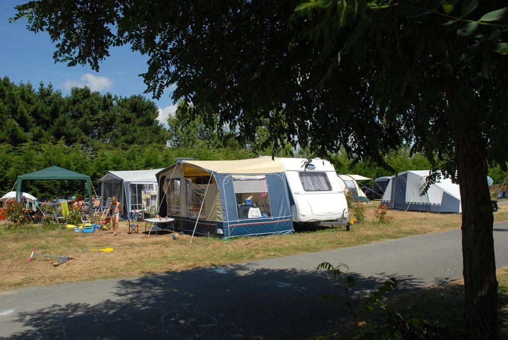 camping au coeur d'un site arboré
