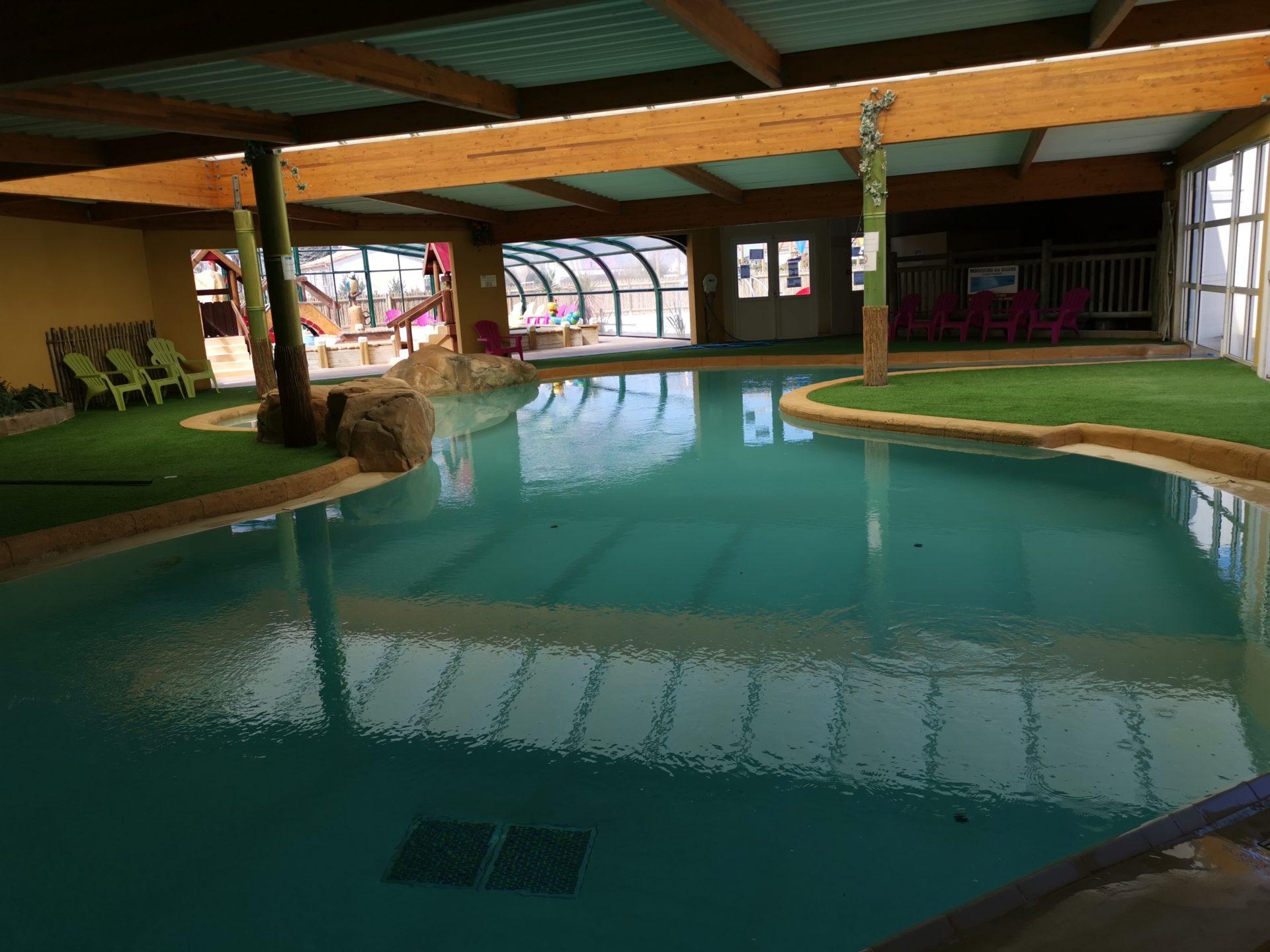 espace-aquatique-interieur-camping-domaine-oree-vendee