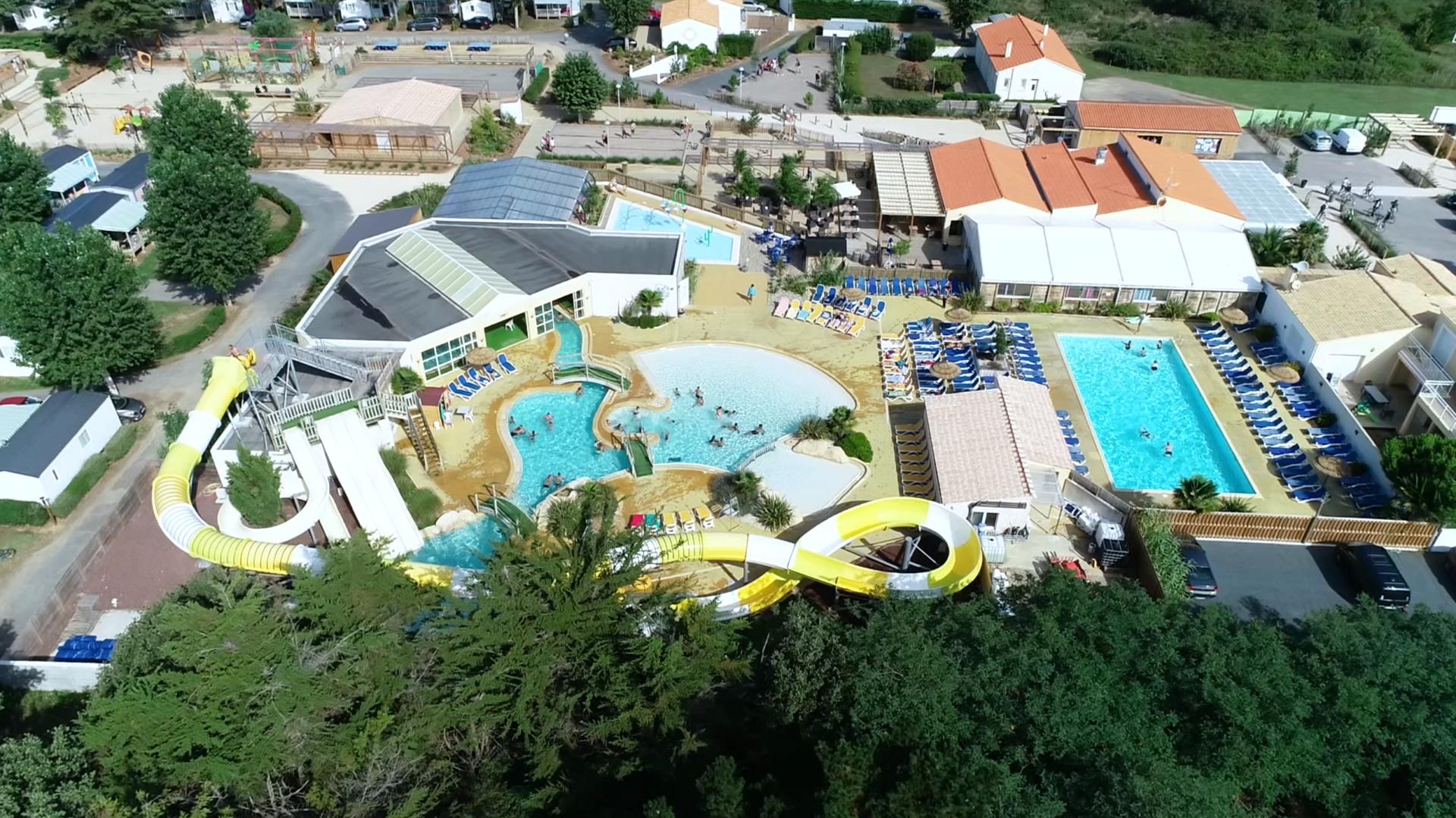 Vue aérienne Piscine Camping Domaine de l'Orée Sables d'Olonne